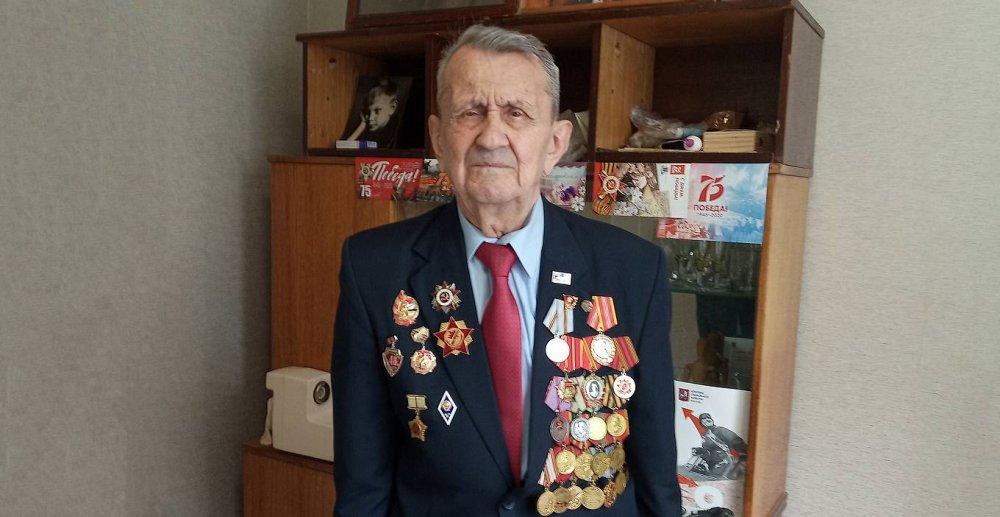 Партизан Владимир Малашонок: нам бы мяч гонять, а не поезда под откос пускать