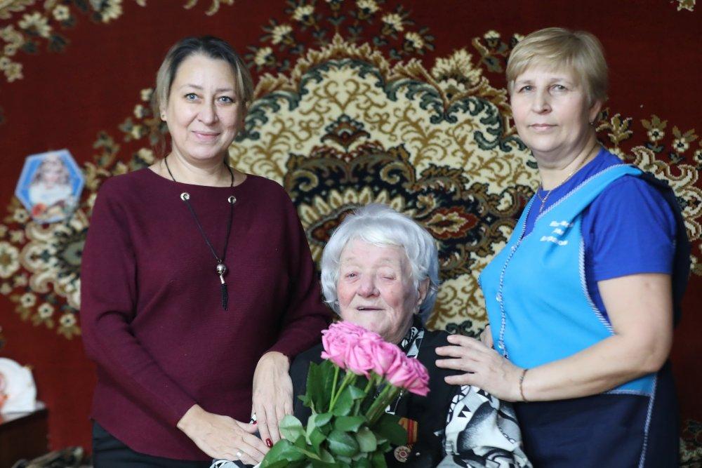 Несгибаемая фронтовичка: победившая коронавирус Зинаида Новикова отметила 102-й день рождения