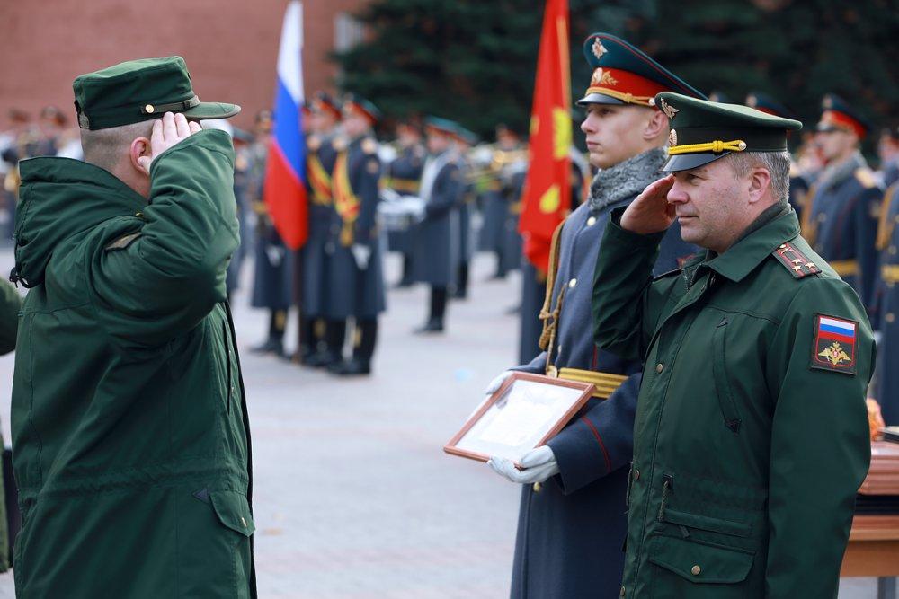 Увольнение в запас военнослужащих 154-го отдельного комендантского Преображенского полка.